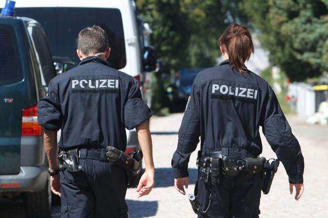 La police de Wuppertal recherche actuellement un ou... (PHOTO AP)