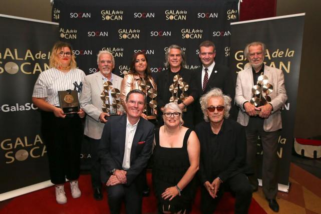 À l'arrière: Safia Nolin,Alain Chartrand, Ariane Moffatt, Richard... (Photo Robert Skinner, La Presse)