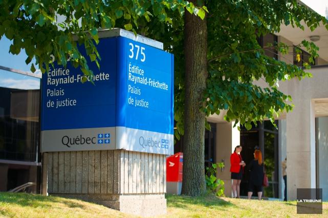 La poursuite a fini de faire entendre sa preuve au procès du policier de Magog... (Archives La Tribune, Jessica Garneau)