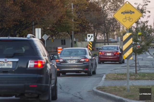 L'an dernier au Québec, près de 2000 piétons et cyclistes ont été transportés à... (Archives, La Tribune)
