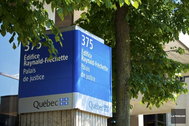 Un homme accusé d'agressions sexuelles à Asbestos et... (Archives, La Tribune)