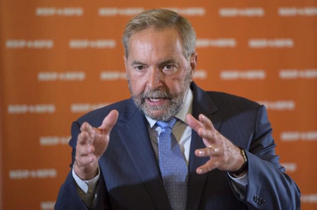 Tom Mulcair s'est adressé aux députés réunis à... (La Presse canadienne)
