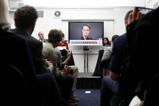 Edward Snowden a répété mercredi lors d'une vidéoconférence... (AP, Mary Altaffer)
