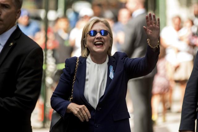 Durant les cérémonies commémoratives du 11 Septembre, Hillary... (AP, Andrew Harnik)