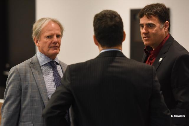 L'ancien vice-recteur Gilles Charland (à gauche) en compagnie... (François Gervais, Le Nouvelliste)