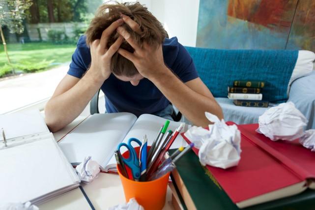 En raison du stress, un étudiant universitaire sur... (123rf/Katarzyna Bialasiewicz)