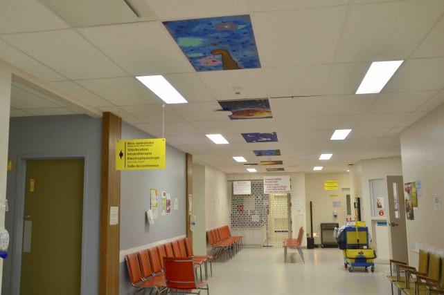 Les tuiles égaient l'ambiance de certains corridors et... (Collaboration spéciale, Johanne Fournier)