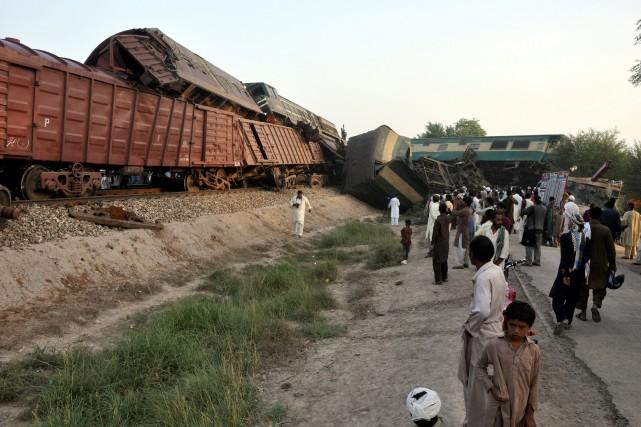 Les accidents ferroviaires sont fréquents au Pakistan, pays... (PHOTO Khalid Chaudry, REUTERS)