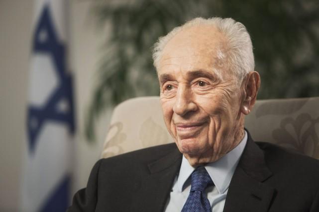 Shimon Peres, 93, ans, a été victime mardi... (AP)