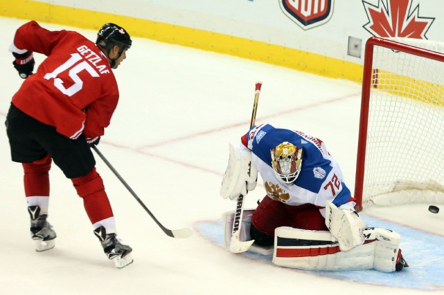 Ryan Getzlaf a déjoué le gardien russe Sergei... (Photo Charles LeClaire, USA Today Sports)