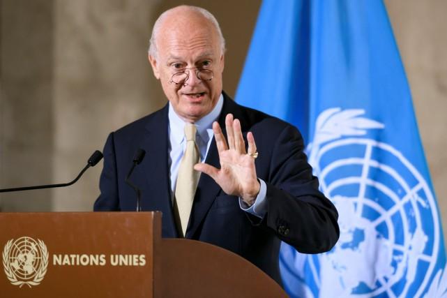 L'envoyé spécial de l'ONU Staffan de Mistura a... (photo FABRICE COFFRINI, AFP)