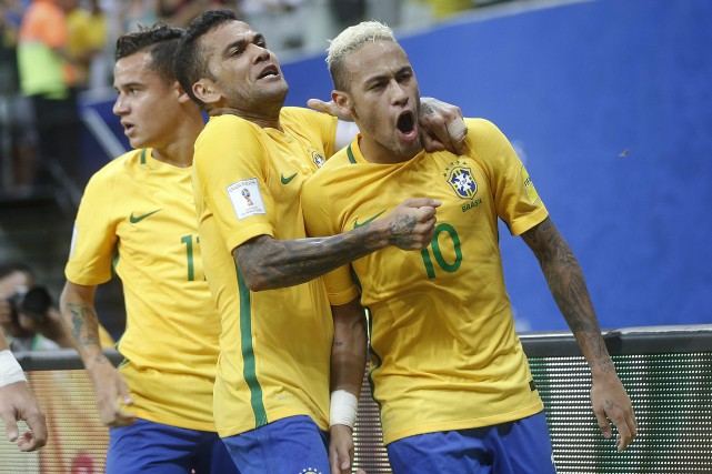 Le Brésil a battu l'Équateur et la Colombie... (Photo Andre Penner, AP)