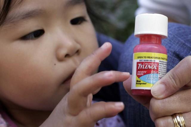 L'acétaminophène est un analgésique présent dans les produits... (Photo Associated Press)