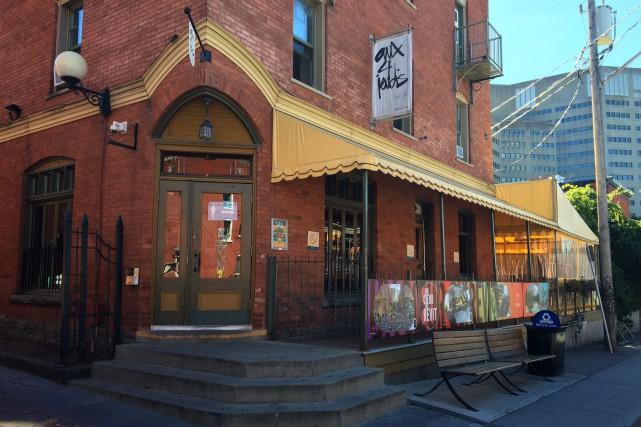 Le café-bar Aux 4 Jeudis changera sous peu... (Patrick Woodbury, LeDroit)