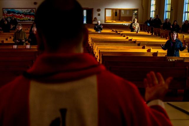 Religion catholique ou musulmane, la place des femmes... (La Presse)