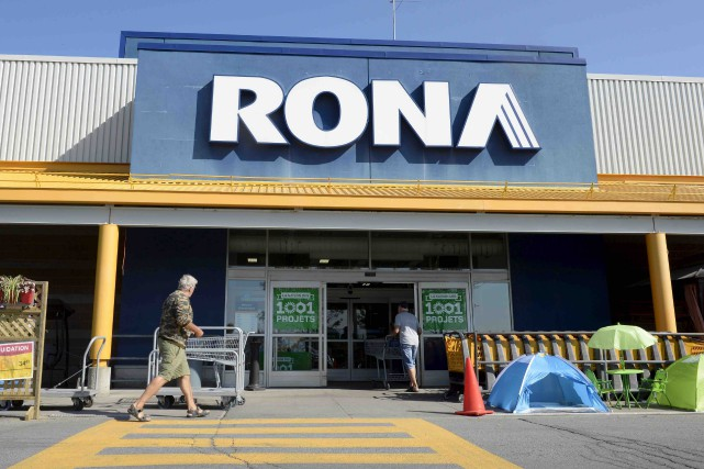 Rona a été bouffé par Loews (2,9 milliards$)... (Archives La Presse canadienne)