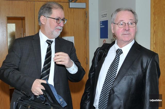 Louis-Philippe Thibault (à droite)a déposé le 9 septembre... (Photo Le Quotidien, Rocket Lavoie)