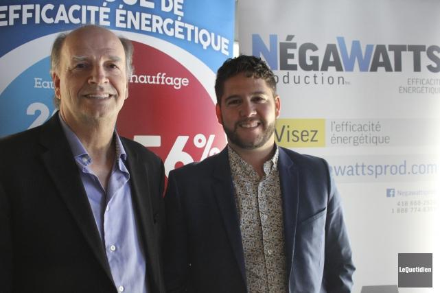 Jean Paradis, président, et Dave Gosselin, directeur général... (Photo Le Quotidien, Isabelle Tremblay)