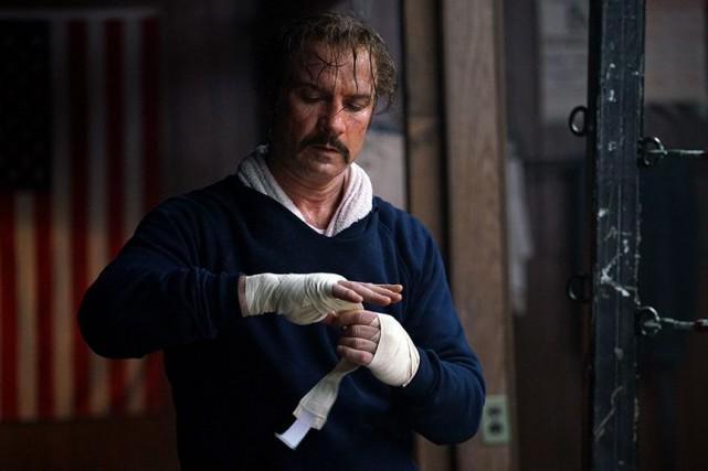 Liev Schreiber dans The Bleeder de Philippe Falardeau... (Photo Sarah Shatz, fournie par la production)