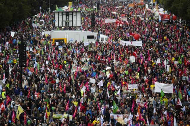 À Berlin, de 50000 à 70000personnes se sont... (Photo Markus Schreiber, AP)