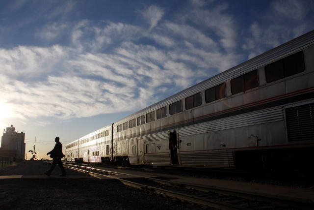 Un homme armé a été arrêté à bord d'un train en Californie à la suite d'une... (photo Joshua Lott, archives REUTERS)