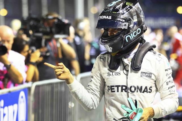Nico Rosbergs'est donné la meilleure chance possible de... (AP, Yong Teck Lim)