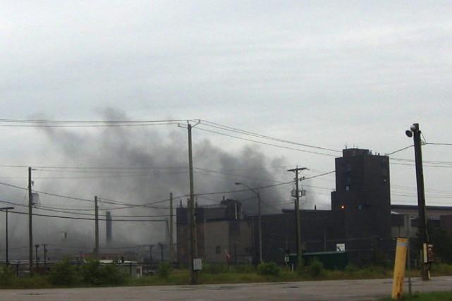 Un incendie s'est déclaré au centre de transfert... (Photo courtoisie)