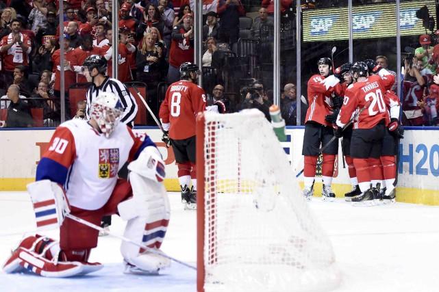 Le Canada a marqué six buts sur 50... (La Presse canadienne, Nathan Denette)