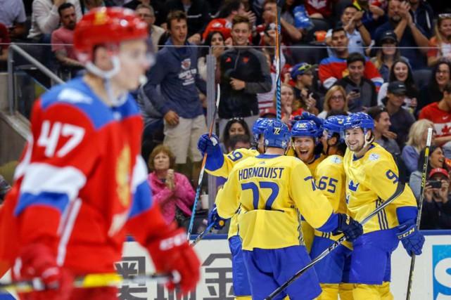 Gabriel Landeskog et Victor Hedman ont marqué en deuxième période alors que la... (PHOTO REUTERS)