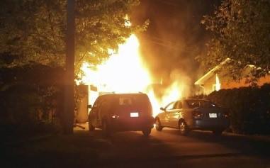 Un premier feu s'est déclenché dans un garage... (Collaboration spéciale, Vincent Bérard)