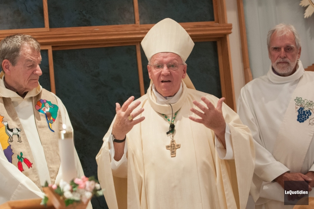 L'évêque du Diocèse de Chicoutimi, Mgr André Rivest,... (Photo Le Quotidien, Michel Tremblay)