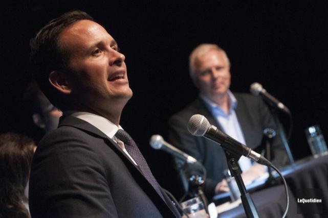 Les candidats Alexandre Cloutier et Jean-François Lisée sont... (photo Michel Tremblay, archives Le Quotidien)