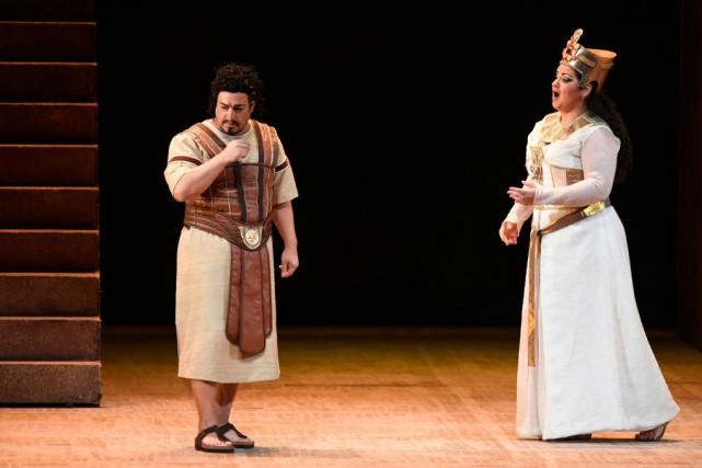 Dans le rôle de la colérique Amneris, lamezzo... (PHOTO BERNARD BRAULT, LA PRESSE)