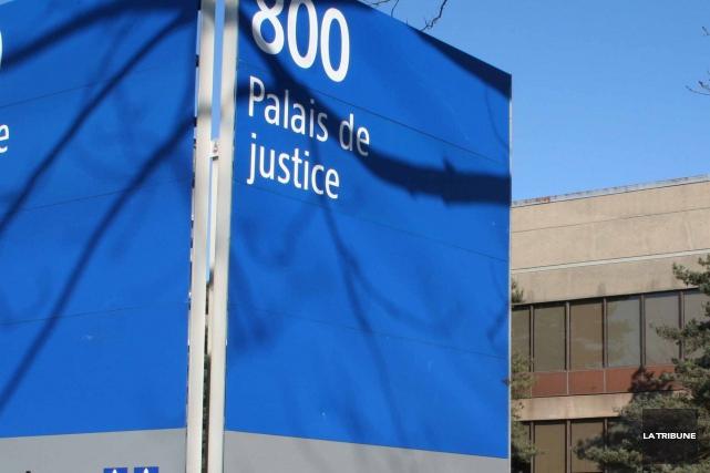 Accusée d'avoir causé des blessures et d'avoir fait souffrir inutilement des... (Archives La Tribune)