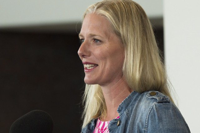 La ministre Catherine McKenna a dit qu'elle imposerait... (La Presse Canadienne, Nathan Denette)