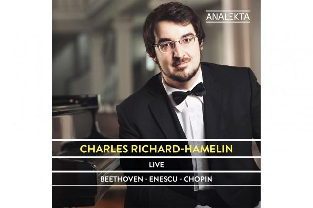 Live, de Charles Richard-Hamelin... (Image fournie par Analekta)