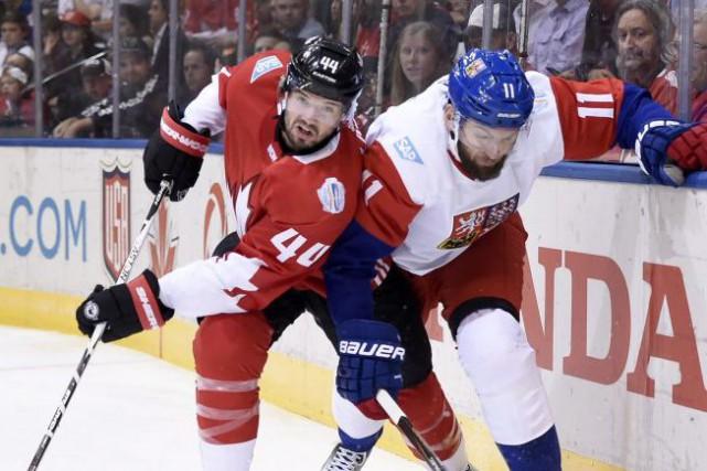 Comme aux Jeux olympiques de Sotchi, le défenseur... (Nathan Denette, La Presse canadienne)