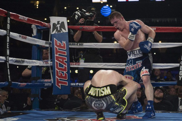 Saul «Canelo» Alvarez s'est blessé à la main durant... (PHOTO Jerome Miron, USA TODAY Sports)