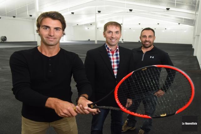 Le directeur technique de Tennis 3R, Charles Loranger,... (François Gervais, Le Nouvelliste)