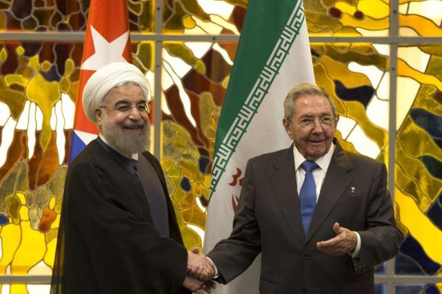 Hassan Rohani a rencontré Raul Castro auPalais Présidentiel,... (PHOTO AP)