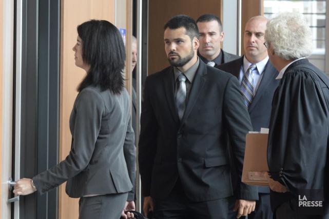 Quatre policiers de Trois-Rivières sont accusés d'avoir passé... (Sylvain Mayer)
