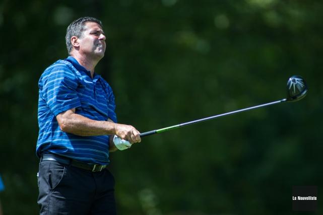 Le golfeur Stéphane Pellerin a battu sa propre... (Olivier Croteau, Le Nouvelliste)