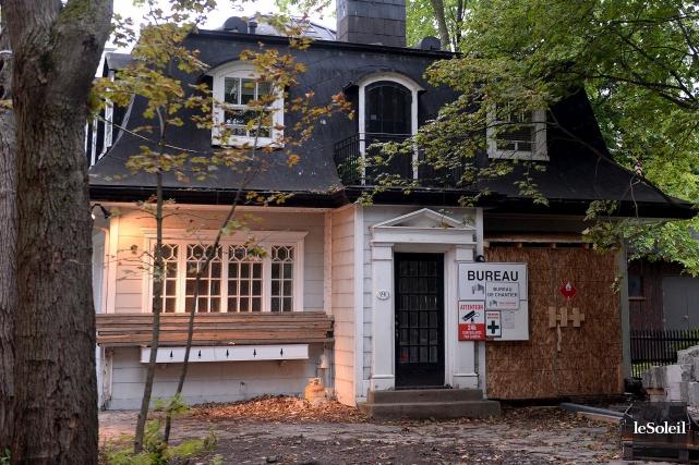Surnommée «la petite maison blanche», la résidence centenaire... (Le Soleil, Erick Labbé)
