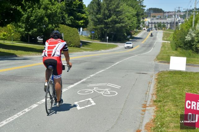 Selon un portrait réalisé par Vélo Québec, 50 000 Sherbrookois âgés de 6 à 74... (Archives La Tribune, Maxime Picard)