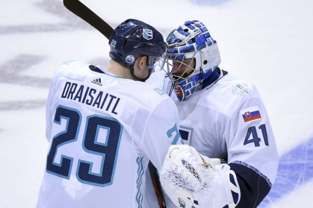 Leon Draisatl et Jaroslav Halak... (Photo Dan Hamilton, USA Today Sports)