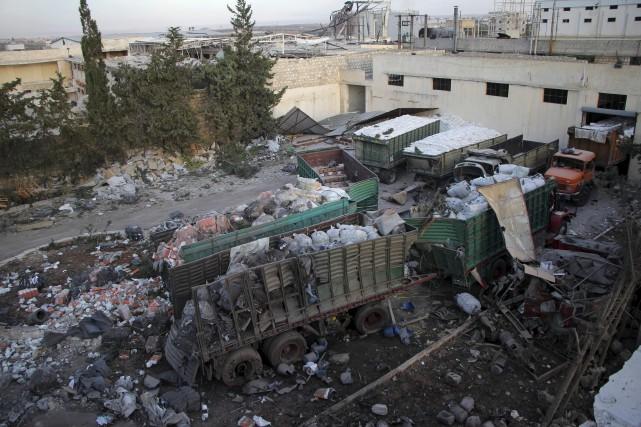 Un camion d'aide humanitaire est éventré àOrum al-Koubra,... (AFP, Omar haj kadour)