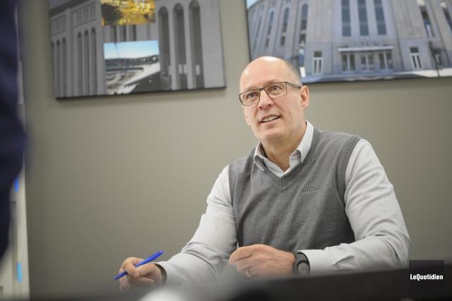 Robert Bouchard, président-directeur général de l'entreprise Béton préfabriqué... (Photo Le Quotidien, Gimmy Desbiens)