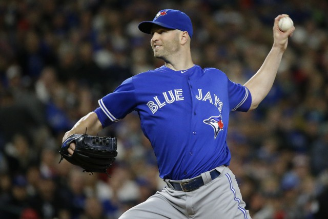 J.A. Happ est le premier lanceur des Blue... (Photo Ted S. Warren, AP)