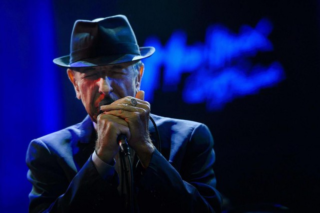 Leonard Cohen... (Photo FABRICE COFFRINI, Archives Agence France-Presse)