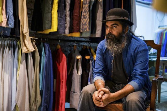 Le couturier indien Suket Dhir est à un... (PHOTO AFP)